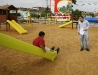 Gobernación construye parque infantil en Atapirire