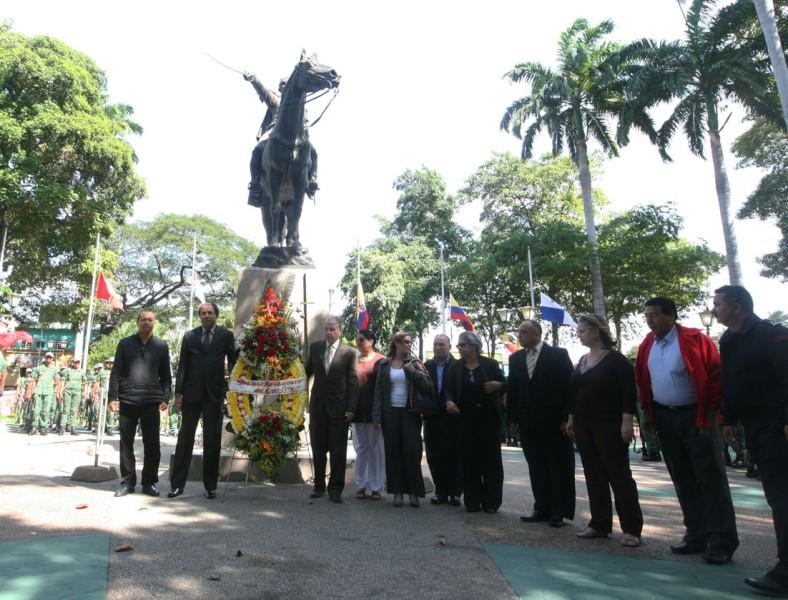 Gobierno de Anzoátegui conmemoró 181 años a la memoria  de nuestro Padre de la Patria