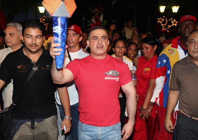Tarek recibió la antorcha de los Juegos Deportivos Nacionales 2011