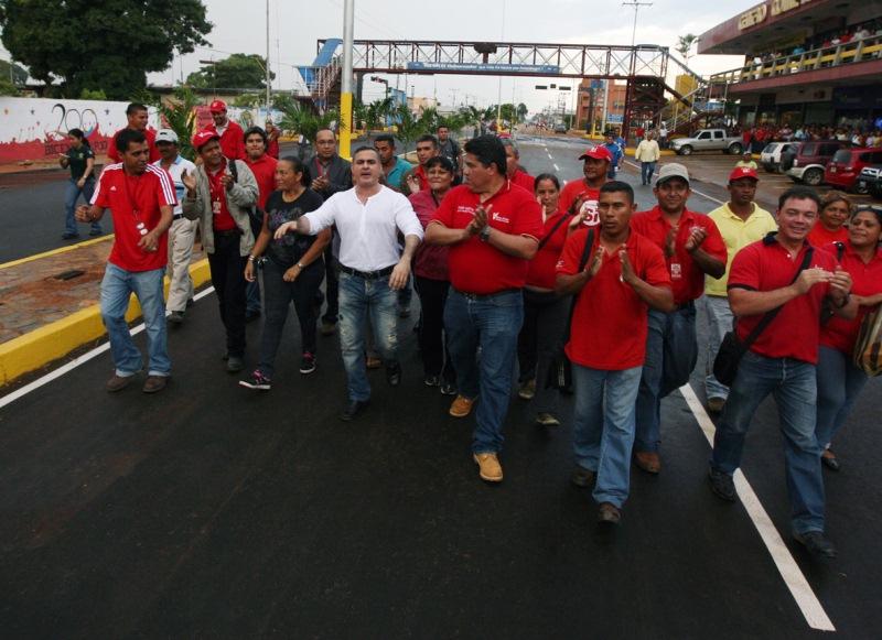Tarek entregó trabajos de construcción de drenajes en avenida principal de Guanipa