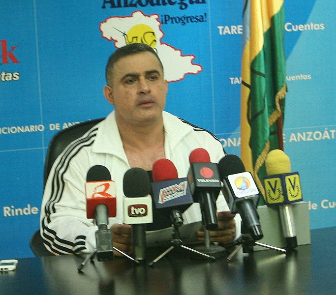 Tarek anuncia mejoramiento de vialidad y electrificación en municipios Sotillo y Bolívar