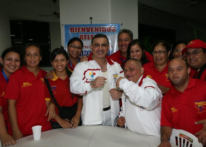 Tarek compartió con atletas de los XVIII Juegos Deportivos Nacionales 2011