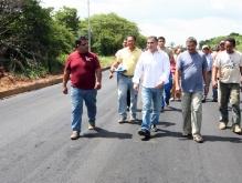 Gobernación realiza recuperación integral de vialidad cercana al hospital Dr. Luis Razetti
