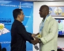 Gobernador condecora a Caribes de Anzoátegui