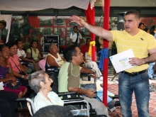 Tarek realizó cuarta entrega masiva de sillas de ruedas del año 2011