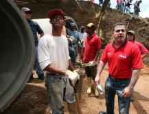 Gobernación construyó drenajes beneficiando a vecinos del Guasey en Pariaguán