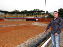 """Tarek inspecciona rehabilitación de Estadio de Beisbol """"Toquita Mejías"""" de Puerto La Cruz"""