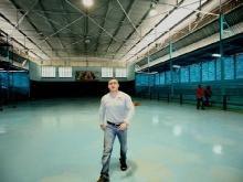 Tarek supervisó rehabilitación en instalaciones del tenis de mesa