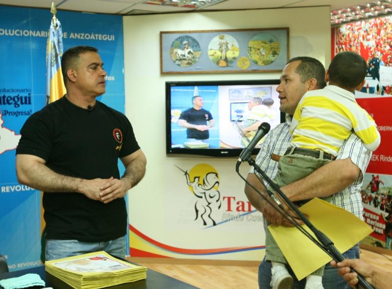 Tarek realizó XIV entrega de ayudas médicas