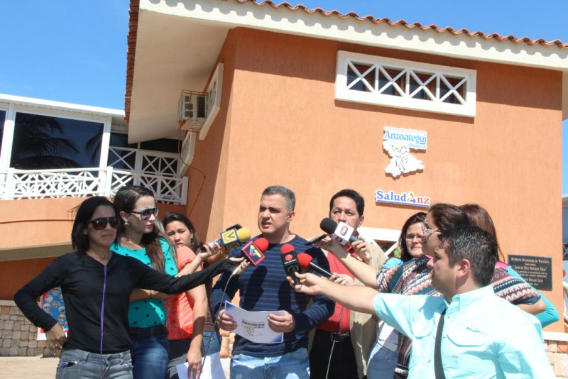 Tarek inauguró Ambulatorio en Playa Cangrejo