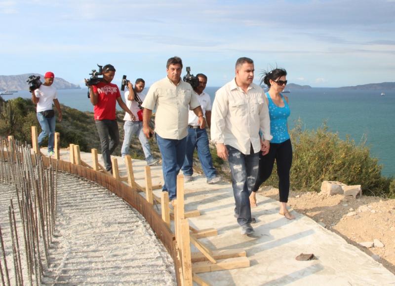 Tarek inspeccionó Mirador en el cerro el Morro