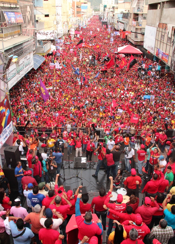 100 mil Chavistas llenaron la calle Sucre