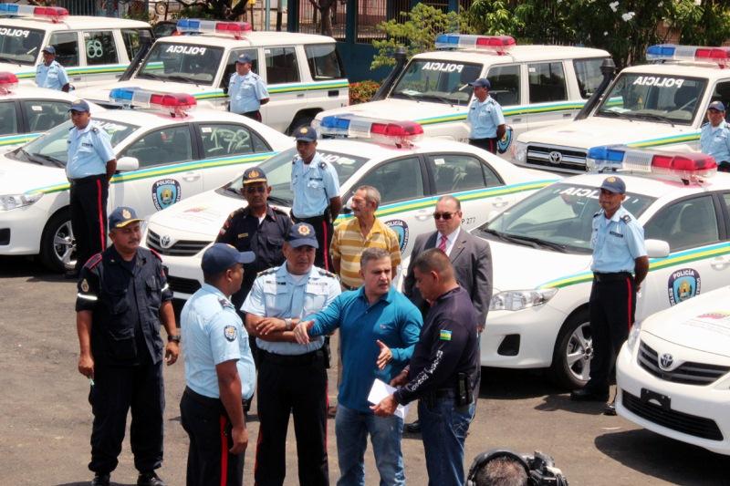 Gobernador Tarek entregó 23 patrullas a Polianzoátegui