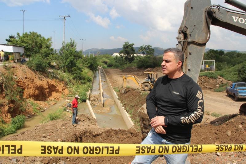 Tarek inspeccionó Distribuidor Nicolás Hurtado