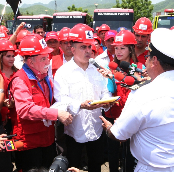 Ministra y Gobernador inauguraron obras en Bolipuertos