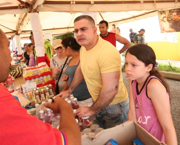 Tarek y Mercal beneficiaron a 2 mil personas en Operativo Alimentario y Asistencial