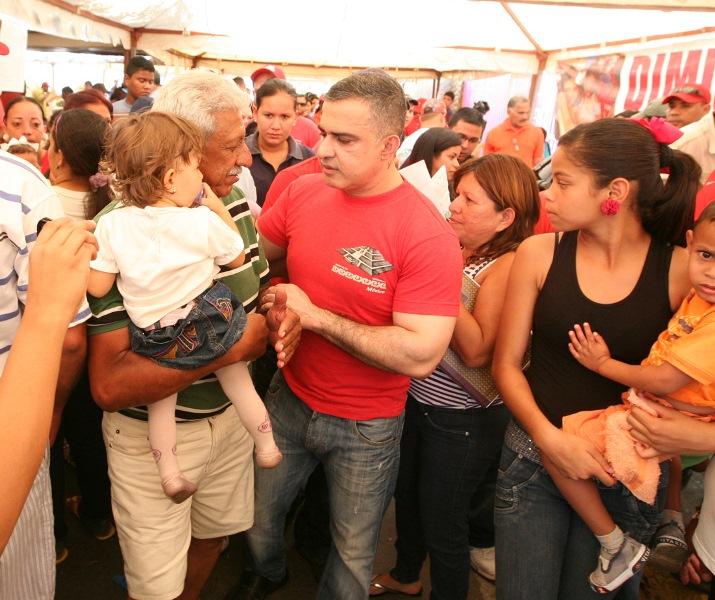 Tarek participó junto al pueblo en operativo social beneficiando a 8 mil portocruzanos