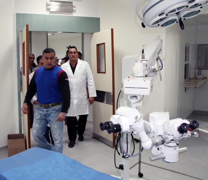 Gobernador Tarek inaugur quirfanos en hospital de Cantaura