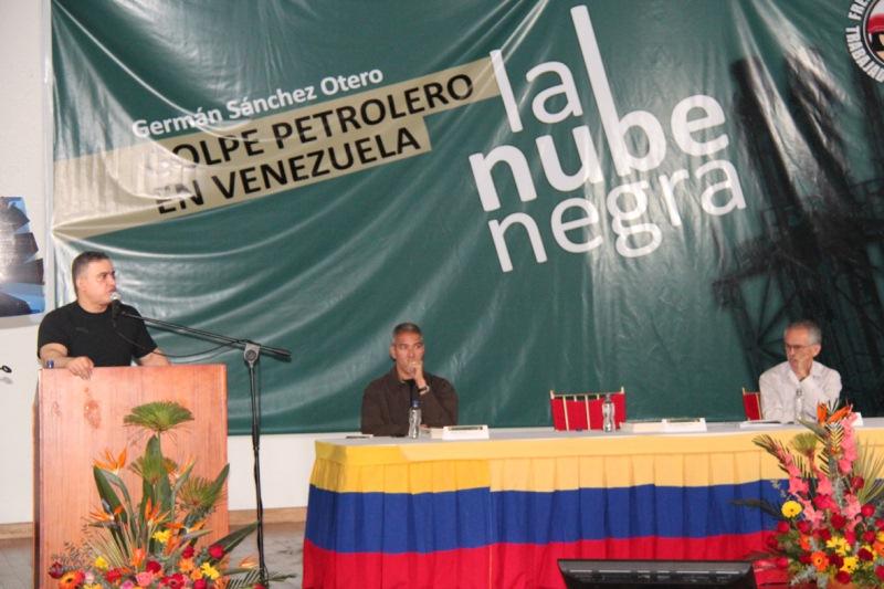 Presentado libro sobre golpe petrolero