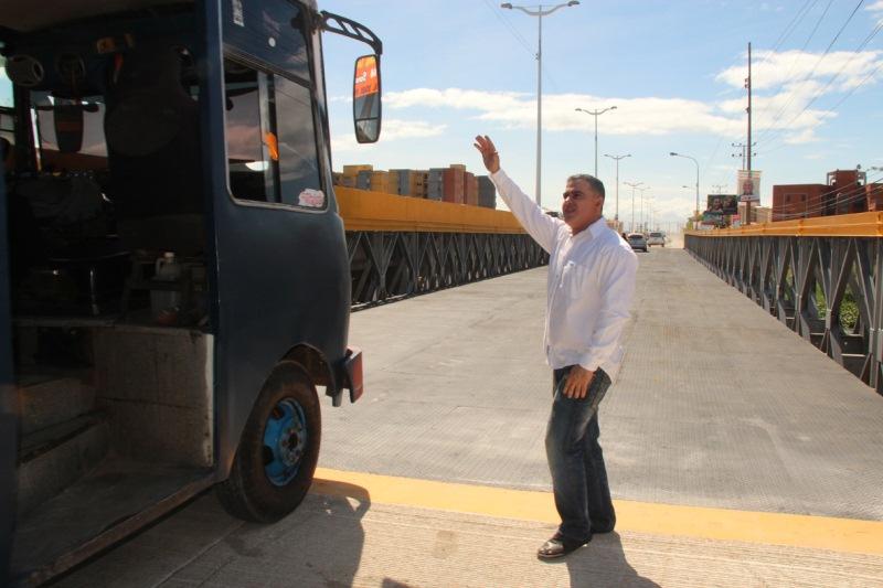 Tarek rehabilitó Puente de Hierro en Nueva Barcelona