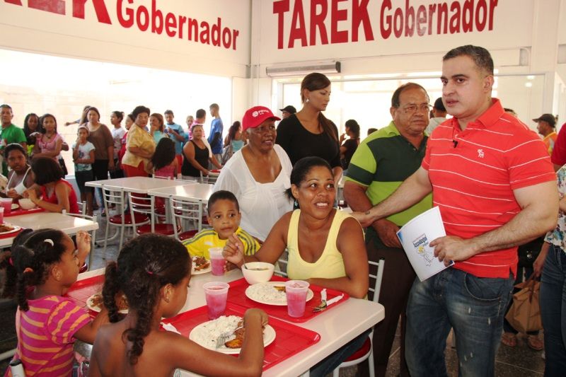 Gobernador Tarek inaugur Comedor Popular en Los Tronconales
