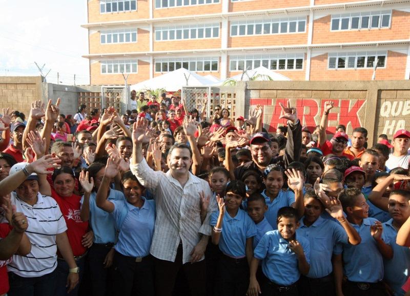Gobernador Tarek invirtió más de Bs. 143 millones en materia educativa