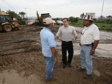 Gobernación avanza en reparación de alcantarillado en vía El Pilar y Caigua