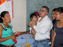 Gobernador auxilió a refugiados en Urica