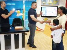 Tarek realizó III entrega masiva de ayudas sociales