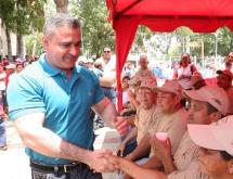 Gobierno entrega donativos agrícolas