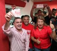 """Tarek y Santaella realizaron """"Un día de Salario por la Revolución"""""""
