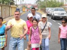 Gobernador Tarek entregó calles asfaltadas en Barcelona