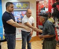 Tarek entregó 21 ayudas sociales