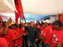 Ministra Ochoa y Gobernador Tarek realizaron abanderamientos de equipos de Comunas