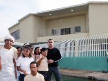 Tarek inauguró nueva edificación en escuela Robinsioniana Zamorana para la diversidad funcional
