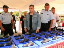 Gobernador Tarek dotó de armamento y uniformes a PoliAnzoátegui