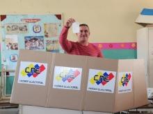 Gobernador Tarek ejerció su derecho al voto