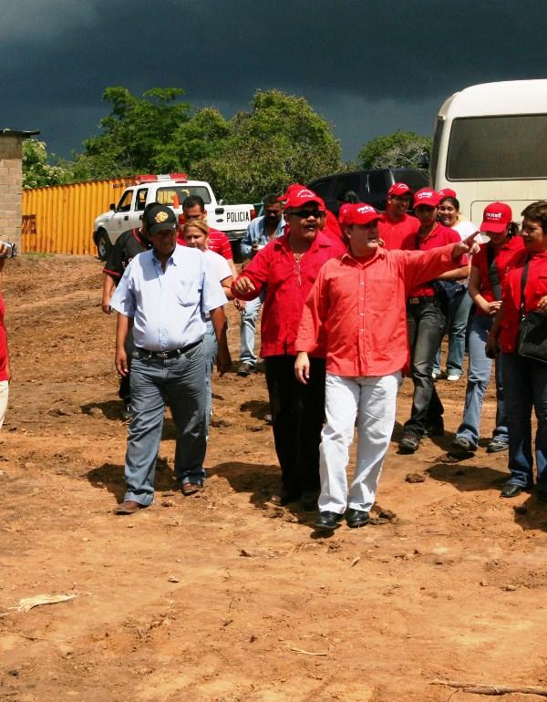 Gobernación construye acueducto en sector rural de Cambural
