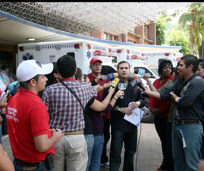 Tarek adjudicó 3 nuevas ambulancias a centros hospitalarios de Anzoátegui