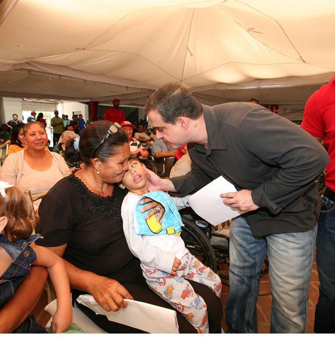 """…""""En el marco de la víspera de nuestro sexto aniversario como gobierno revolucionario de Anzoátegui, este próximo 5 de noviembre, nosotros hemos atendidos con la entrega de ayudas medicas, a aproximadamente 31 mil personas con un inversión en bolívares superior a los 102 millones"""", expresó gobernador de Anzoátegui, Tarek William Saab…"""
