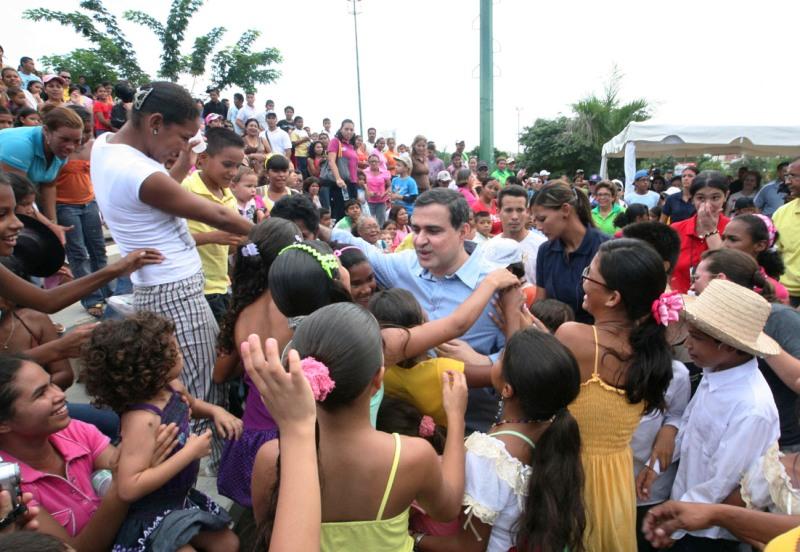 Gobernador agasajó a los niños en su Día