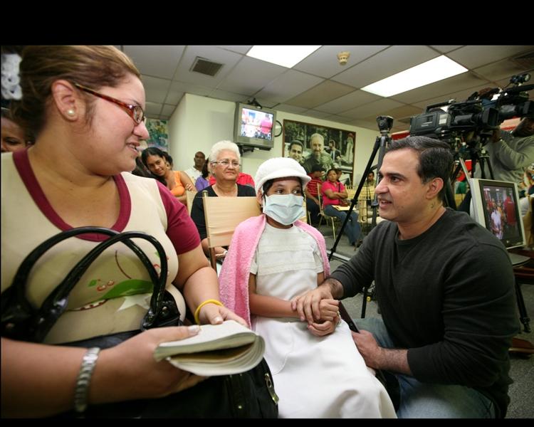 Tarek realizó XIII entrega de ayudas sociales por 208 mil bolívares fuertes