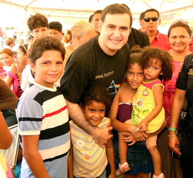 Tarek realizó jornada humanitaria en Boyacá IV de Barcelona