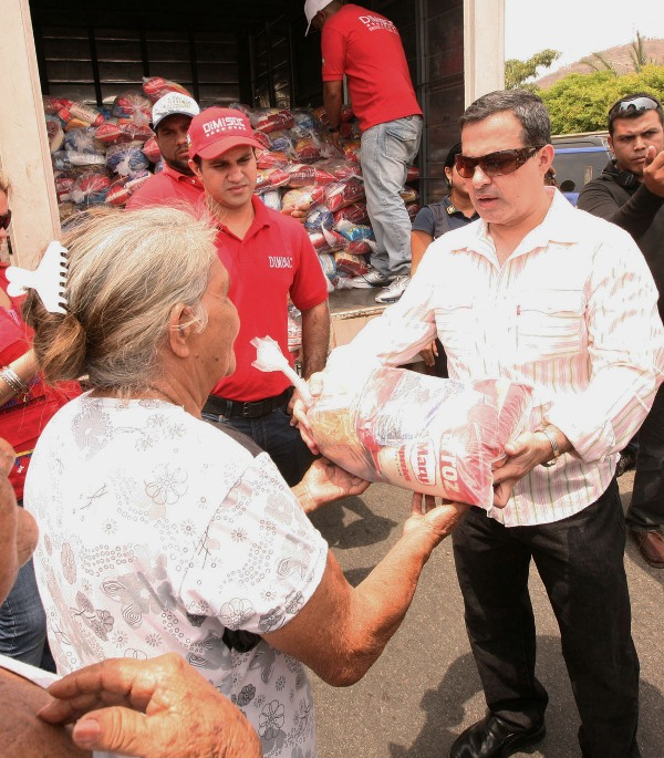 Tarek desplegó jornada humanitaria en el sector 23 de Marzo