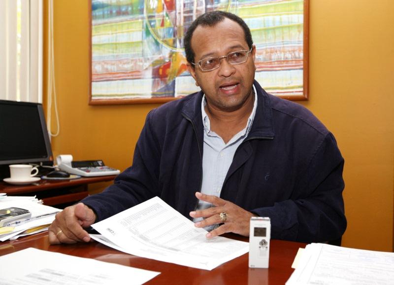 Gobernación cumple con compromisos contractuales de 2010