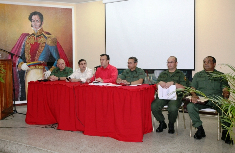 Ministro de relaciones interiores dotó de pistolas y patrullas al Dibise-Anzoátegui