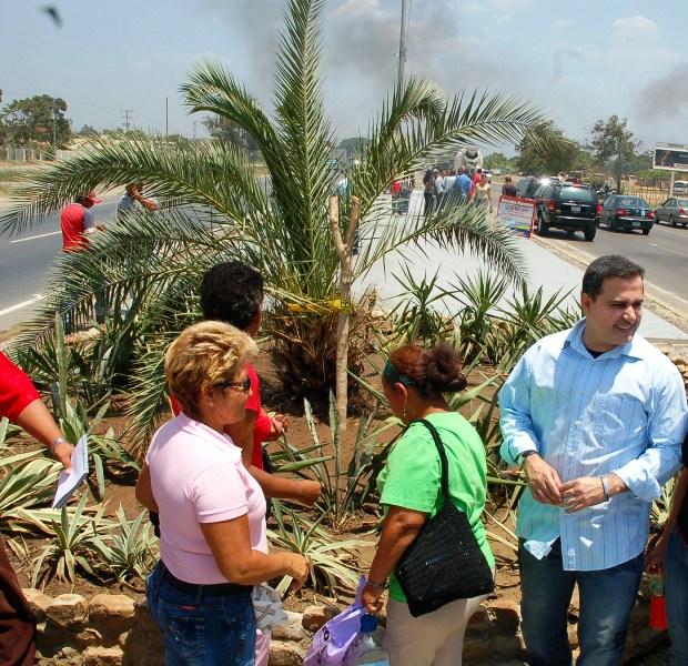 Gobernación afianzó construcción de portal de entrada de los estados  Anzoátegui y Miranda