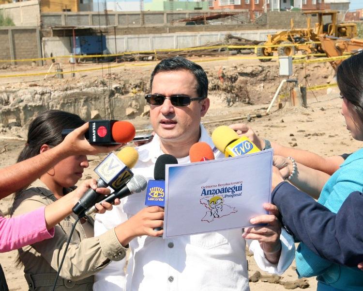 Gobernación próxima a culminar empotramiento de cloacas en Sotillo