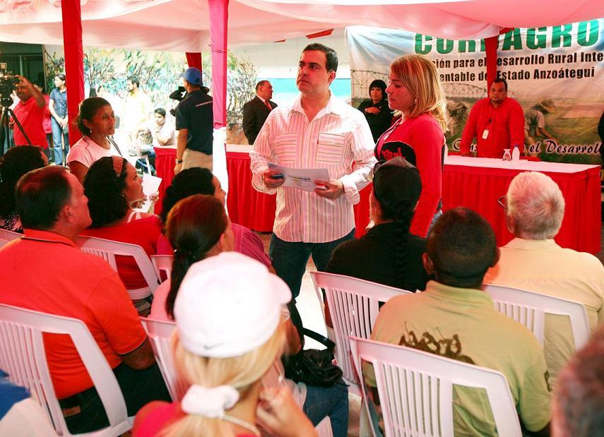 Tarek entregó 134 créditos para fortalecer sectores agrícolas y pecuarios de Anzoátegui