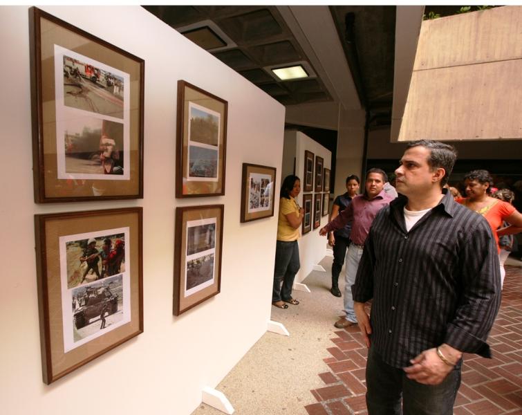 """Tarek inauguró exposición """"Por la Paz y la Dignidad de los Pueblos: Palestina Libre""""."""